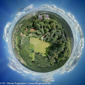DSC_5742_stitch_d_planet.jpg